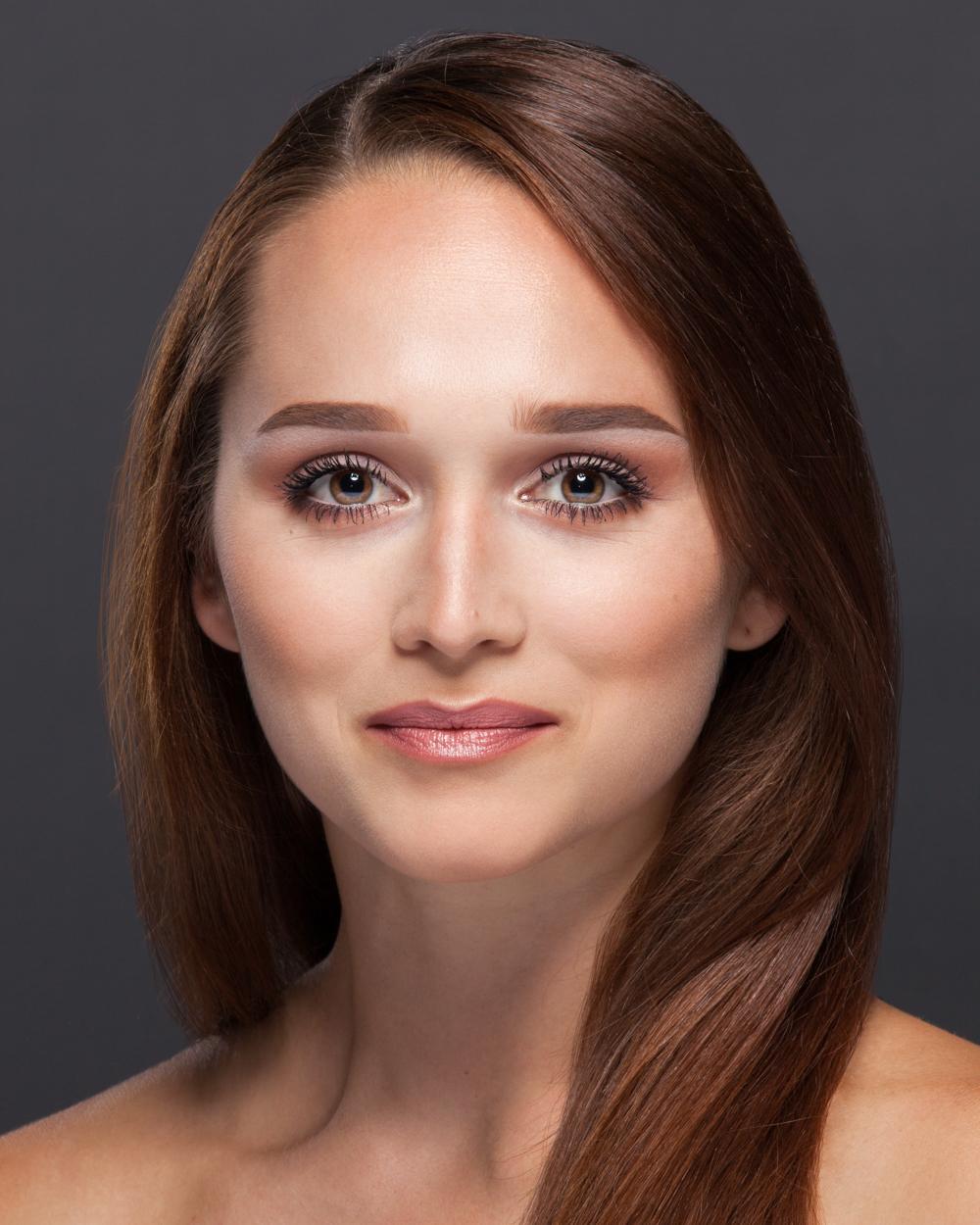 Olivia Gusti-bio