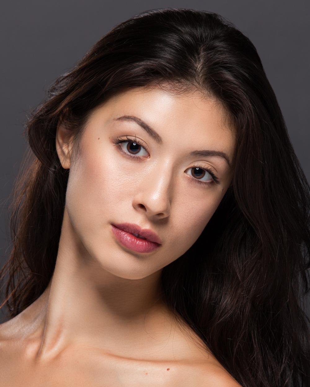 Emily Neale-bio