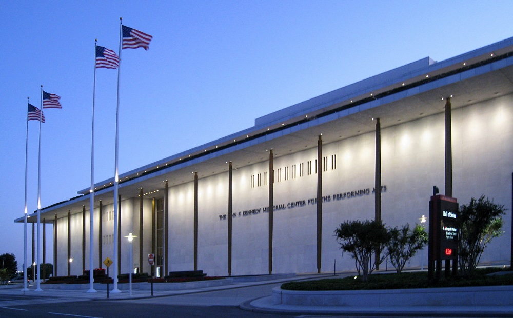 Kennedy_Center_at_Dusk_2